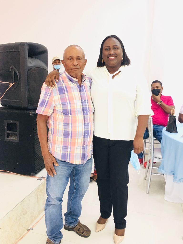 El pasado Sábado la Alcaldesa Ing. Luz María Mercedes Celebra el Dia de los Padres.